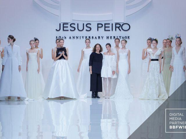 Vestidos de novia 2019 de Jesús Peiró en la Barcelona Bridal Fashion Week