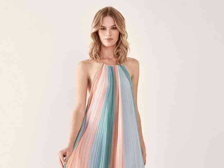 El Color Irrumpe Con Fuerza En Los Vestidos De Fiesta 2019