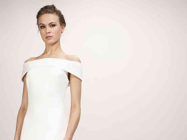 Theia hace una oda a los básicos en sus vestidos de novia 2019