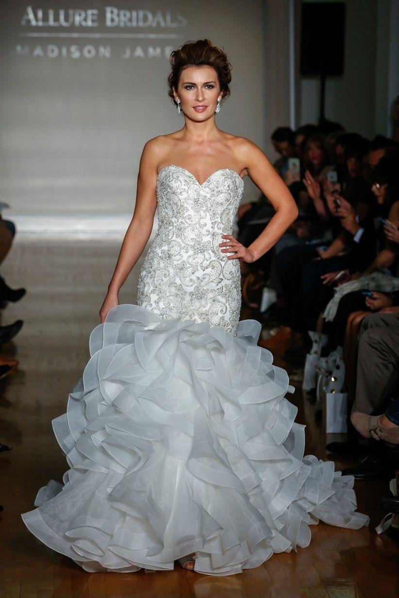 40 vestidos de novia con color para marcar personalidad