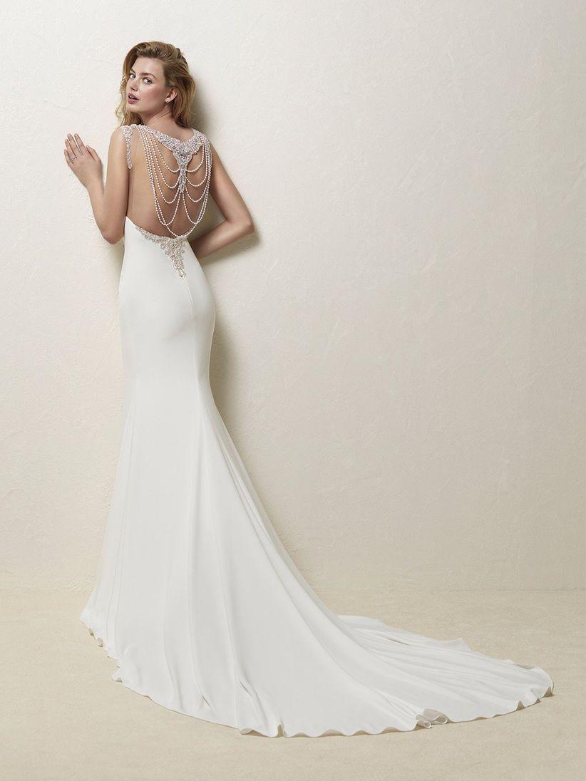 Vestidos de novia sencillos con espalda descubierta