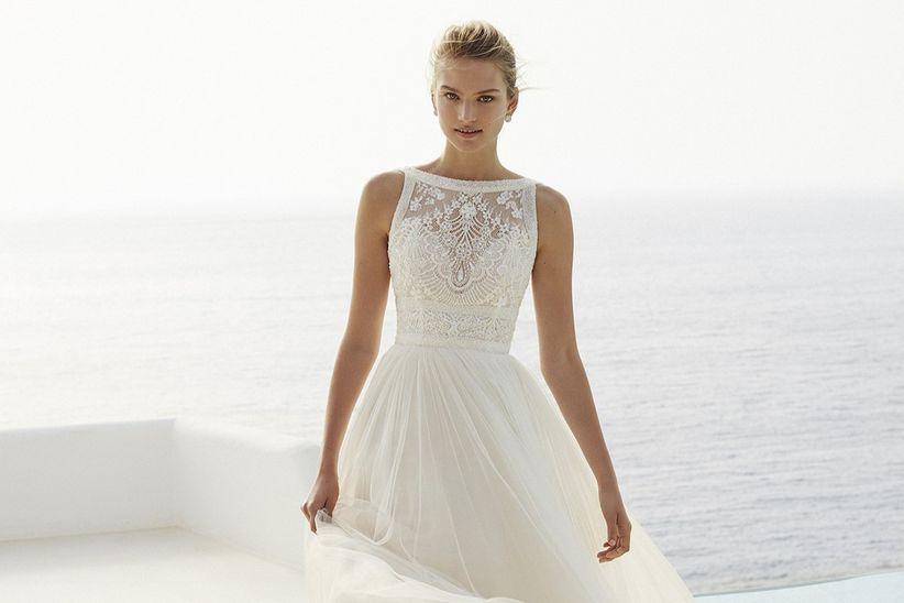 50 vestidos de novia con escote ilusión: ¡para enamorarse!