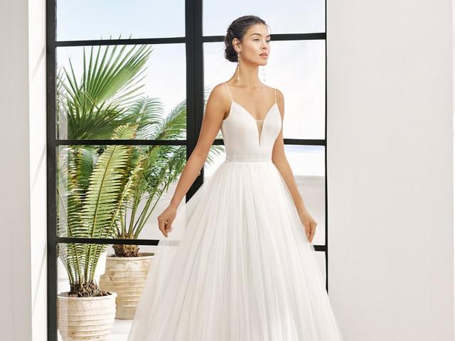 Descubre la elegancia de los vestidos de novia de Adriana Alier 2020