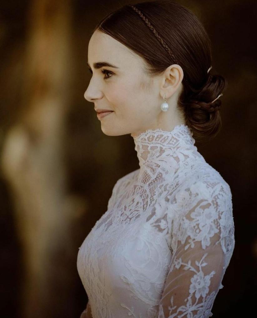 Peinado de novia, maquillaje y accesorios de Lily Collins