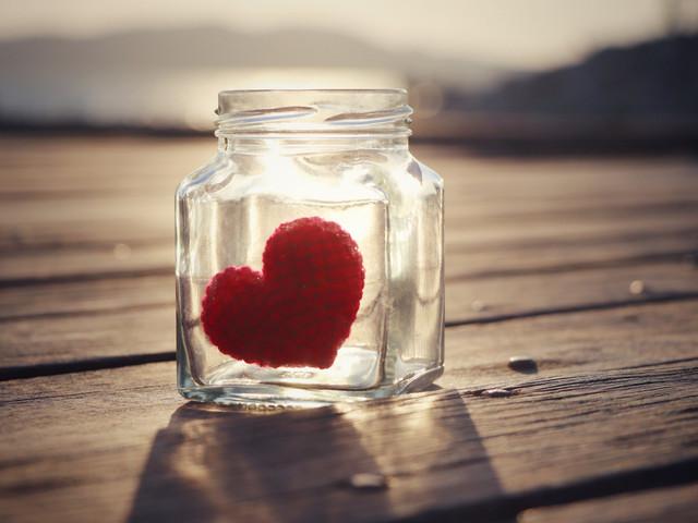 DIY: un frasco con notas de amor para el día de los enamorados