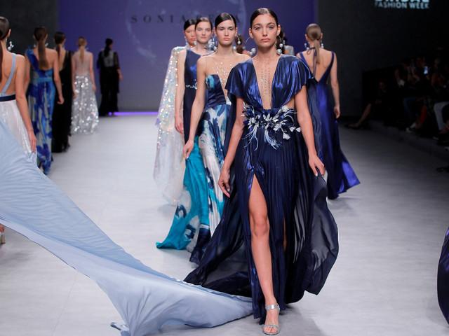 Sonia Peña 2020: vestidos de fiesta con toques estelares