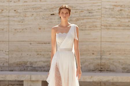 Descubre las cuatro colecciones de vestidos de novia de Rosa Clará 2021
