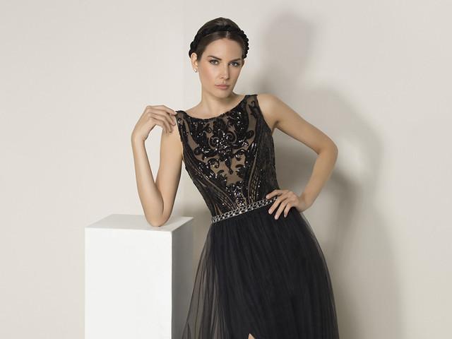 La elegancia del encaje llega con los vestidos de fiesta de Eleni Elias 2019