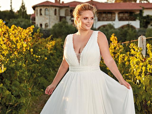 Escote en V para vestidos de novia de tallas grandes