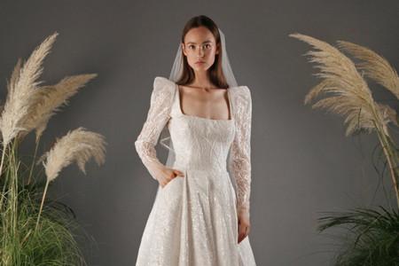 """Vestidos de novia inspirados en la serie """"Los Bridgerton"""". ¿Cómo imitar el estilismo de esta elegante familia?"""