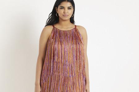 55 vestidos de fiesta para invitadas curvys: cortes y estilos para elegir
