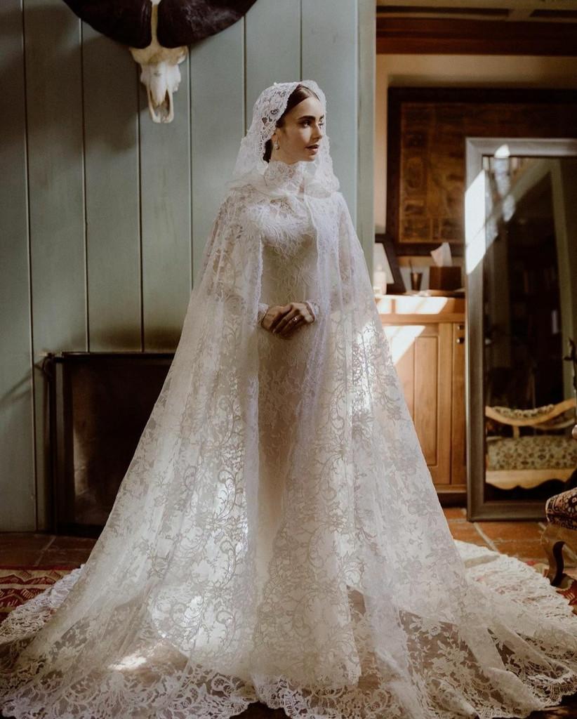 Lily Collins vestida de novia