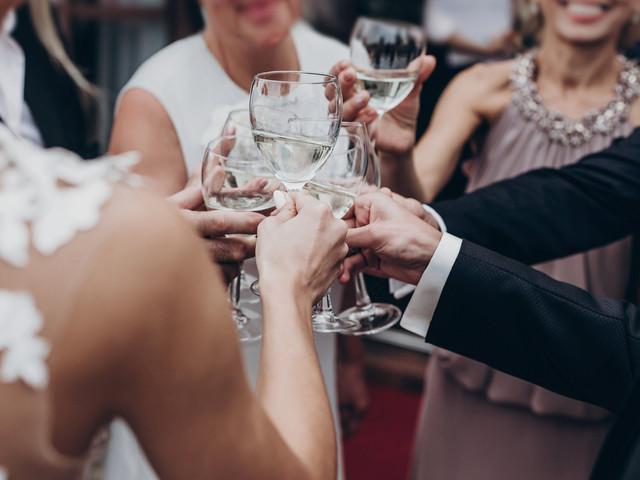 Cómo ser un invitado perfecto: 10 claves infalibles