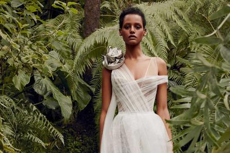 """Conoce los """"encantados"""" vestidos de novia 2020 de Vera Wang"""
