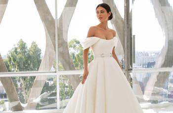 Descubre los vestidos de novia 2021 de Pronovias: glamur para cada novia