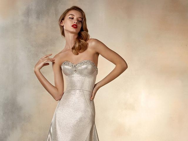 bb9b836c8 Descubre los sensuales vestidos de novia 2020 de Atelier Pronovias