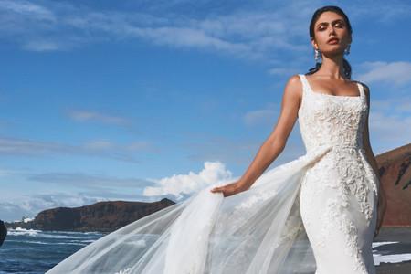 Elegancia: la gran protagonista de los vestidos de novia 2022 de Pronovias