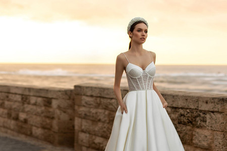 La sensualidad se toma los vestidos de novia 2021 de Ida Torez como el gran sello de la temporada