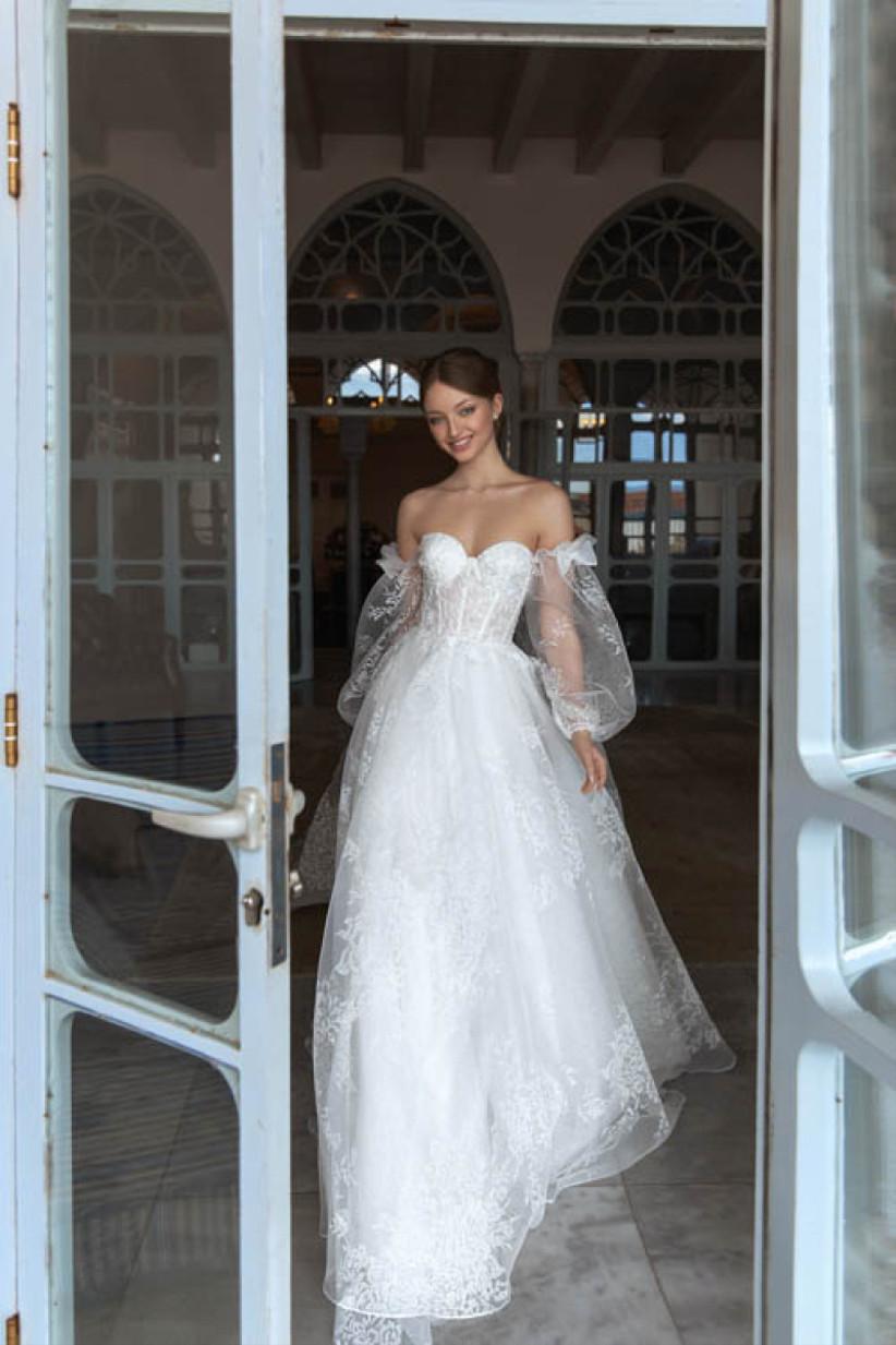 vestido de novia Daria Karlozi escote corazón