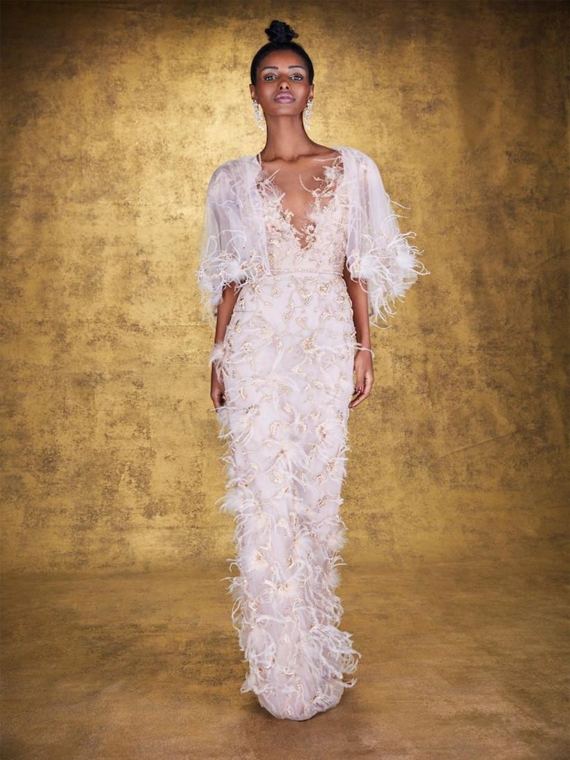 vestido de fiesta 2021 de Marchesa con plumas