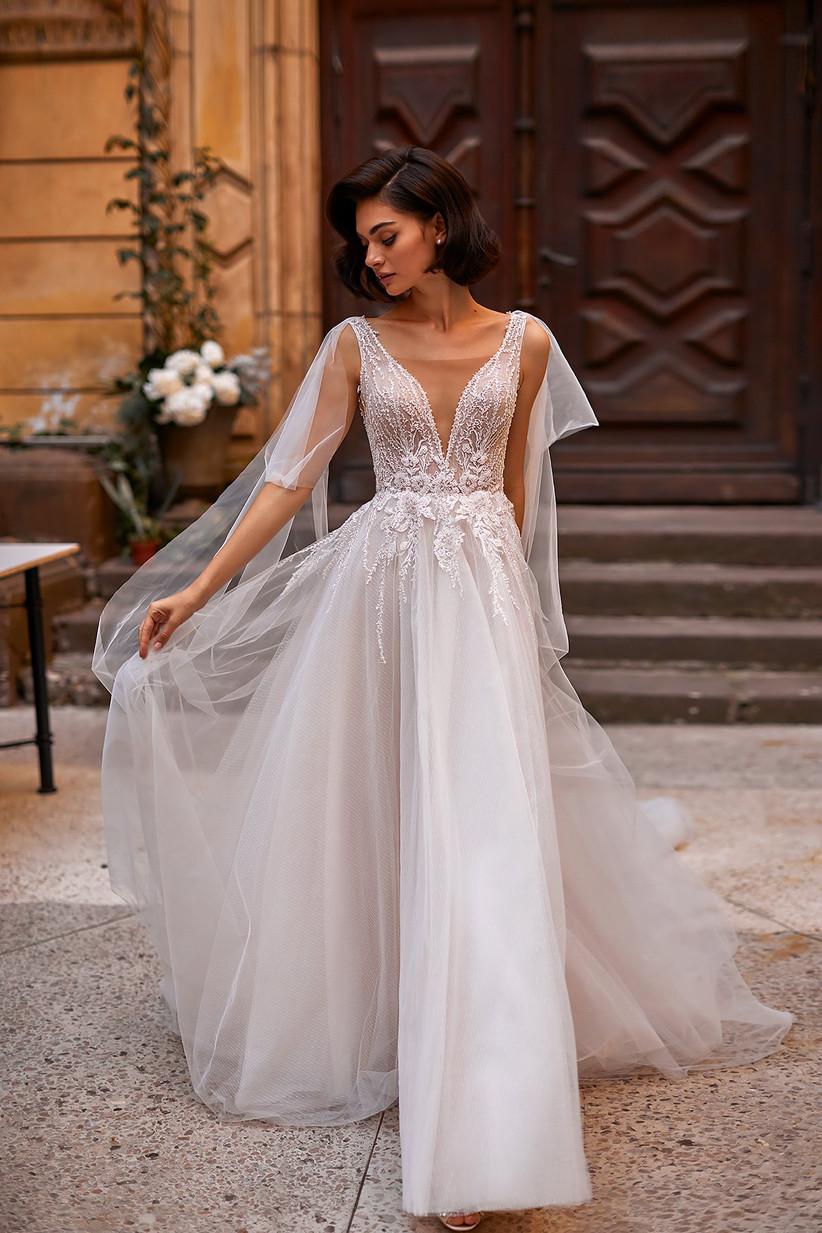 vestido de novia Daria Karlozi escote V bordado