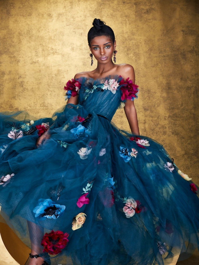 vestido de fiesta 2021 con flores de Marchesa
