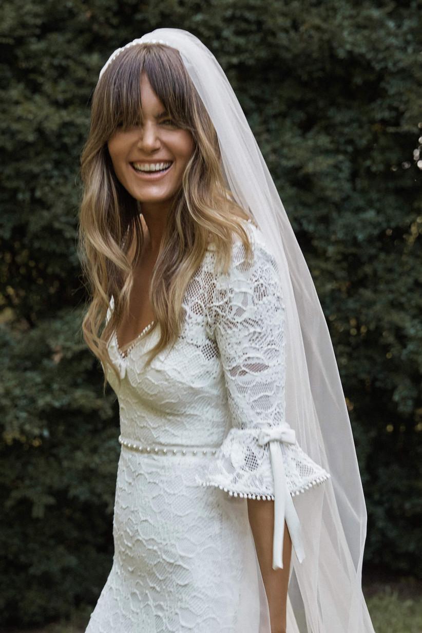 peinado de novia con pelo suelto y chasquillas