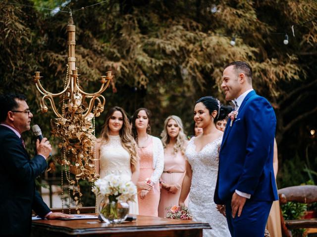 ¿Quién oficiará su matrimonio civil?