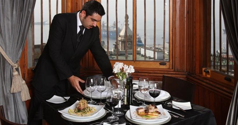 Hotel Gervasoni - Detalle de mesa y vistas desde interior