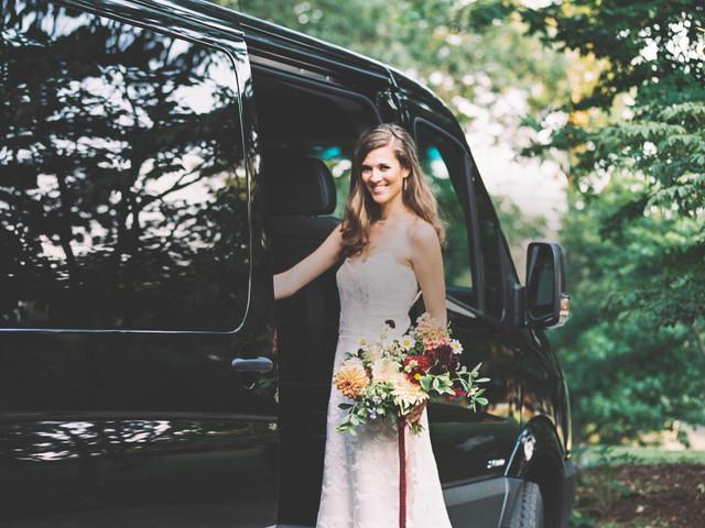 6 ventajas de contratar un autobús para el matrimonio
