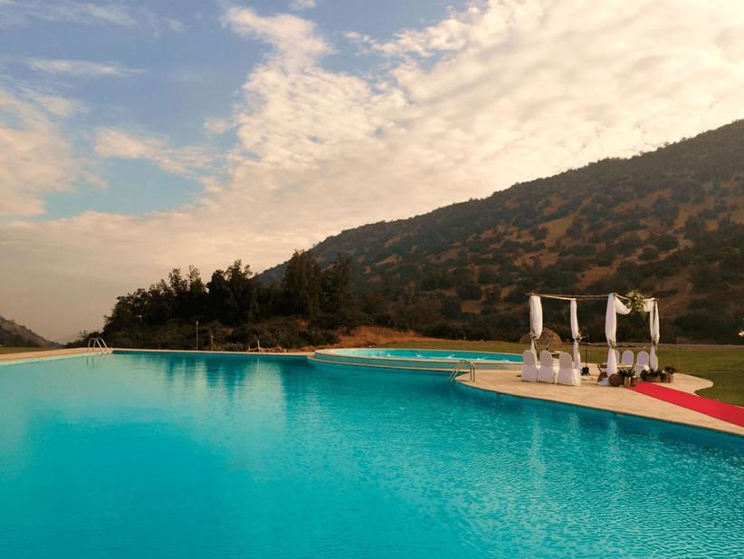 Hacienda Santa Martina - Ceremonia junto a piscina Laguna