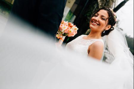 4 peinados con velo para novias de todos los estilos