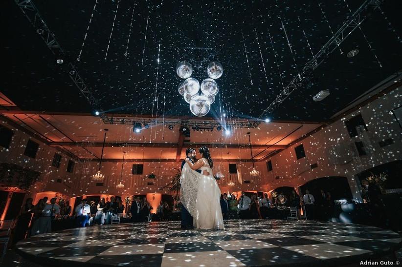 Santa Luz de Chicureo - Iluminación zona baile