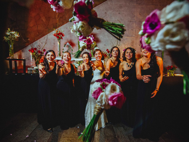 7 divertidas ideas para la foto de la novia con las damas de honor