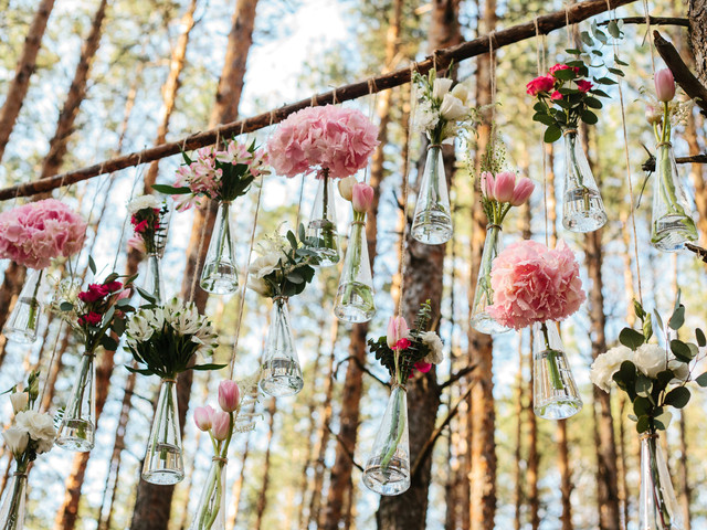 8 formas de usar frascos de vidrio para decorar el matrimonio
