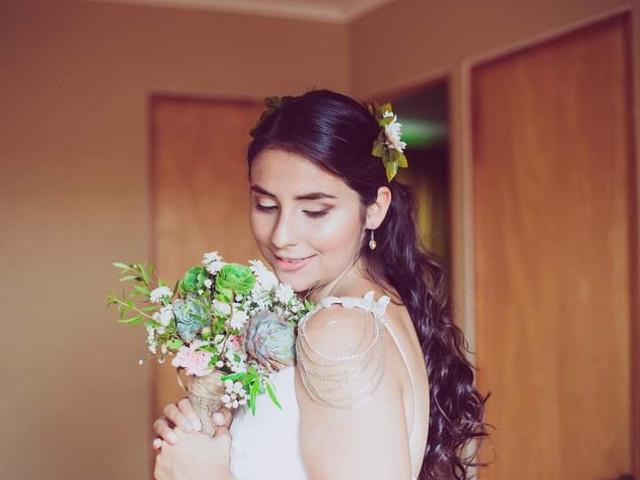Peinados de novia para pelo largo: simple y natural