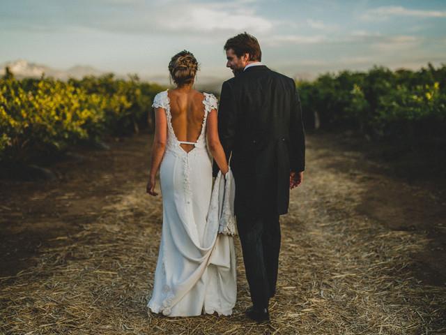 """¿Vestido de novia sin espalda? 7 consejos para cuidar tu piel y lucir """"ese"""" escote"""