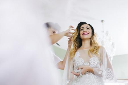 40 peinados de novia con pelo suelto para un look espectacular