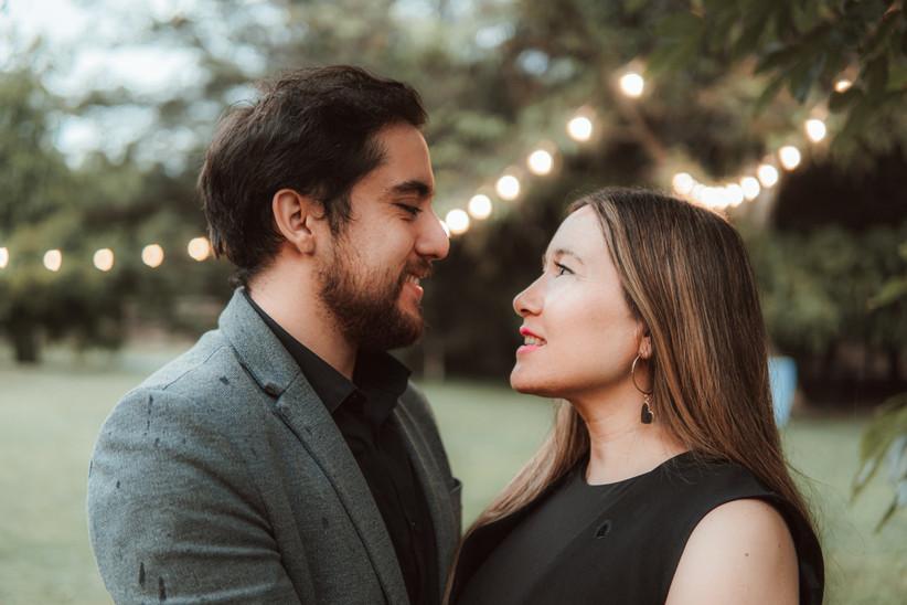 pareja mirada