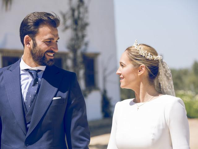 Tocados para novias de invierno: ¡los complementos más elegantes!