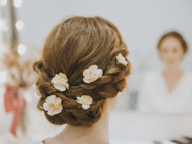 25 peinados de novia con flores: ¡éxito seguro!