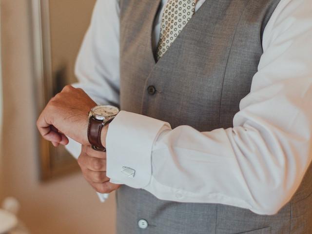 8 estilos de relojes para que el novio use el día de su matrimonio