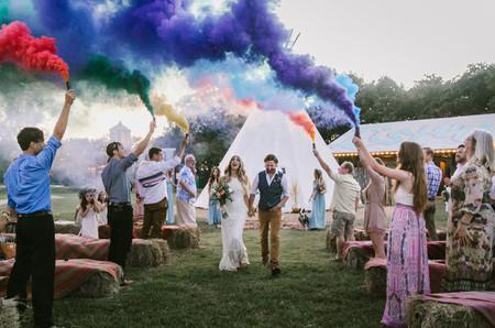 Bombas de humo para el matrimonio: explosión de color