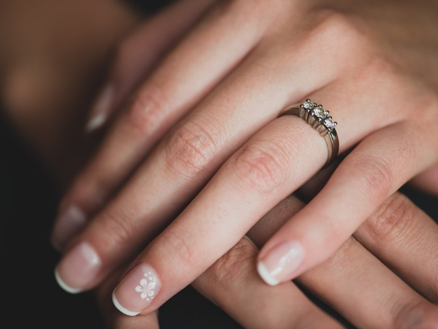 Distintos tipos de manicure francesa para novias