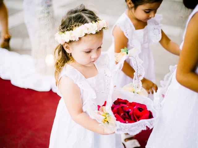 8 adorables peinados para las niñas de las flores