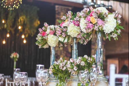 Centros de mesa altos: la nueva tendencia en matrimonios