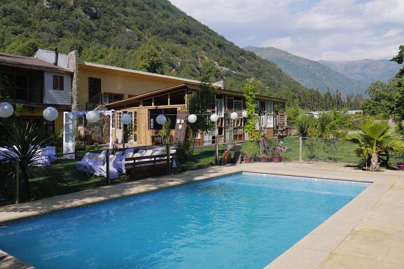 Salón El Manzano - Zona exterior con piscina
