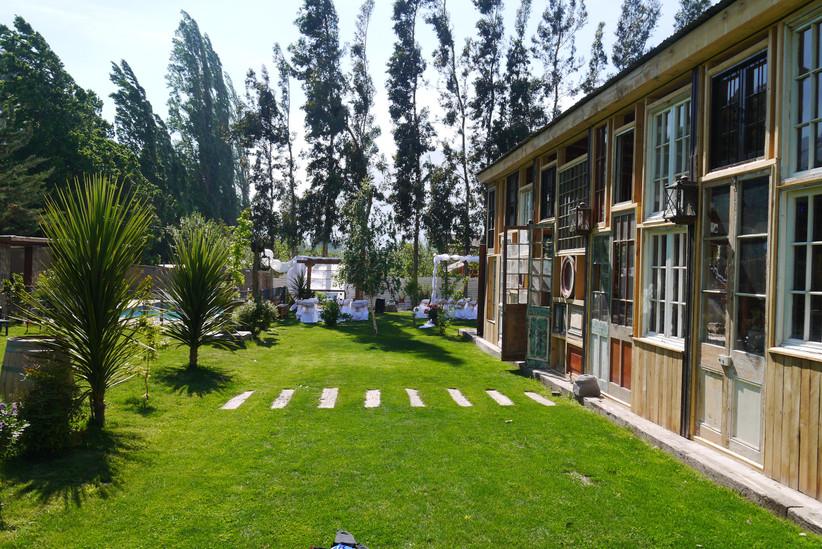 Salón El Manzano - zona verde en alrededores edificio