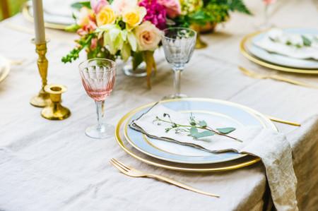 Cómo montar una mesa formal para su matrimonio