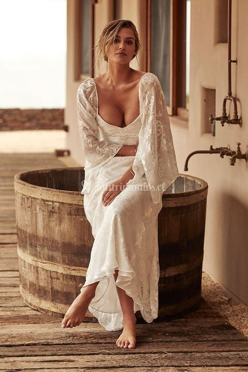 loyola sleeve silk, Grace Loves Lace